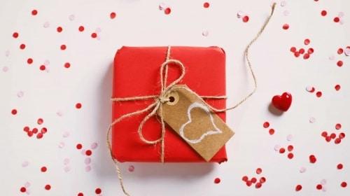 اقتراحات هدايا عيد الحب للرجال والنساء