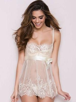 قمصان نوم للعرايس ابيض تشكيلة لمختلف المقاسات