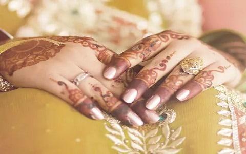 هدية العريس للعروس عند عقد القران